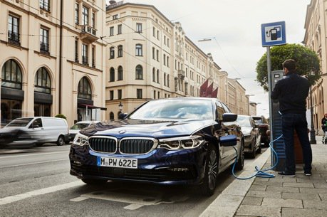 新電池技術讓5 Series更節能 BMW 530e Sedan進化登場!