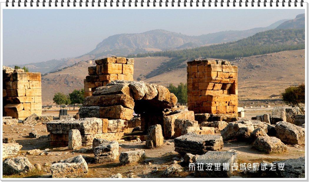 一堆很寫實的廢墟,完全沒有經過修葺,保持了真實基本面貌。