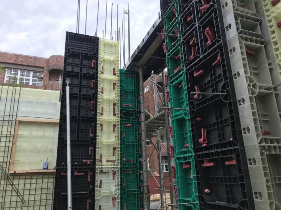 建築安全履歷協會創立結構技師工班,將在工地提供第一線綁鋼筋、釘模板、灌漿等。圖/台灣建築安全履歷協會提供