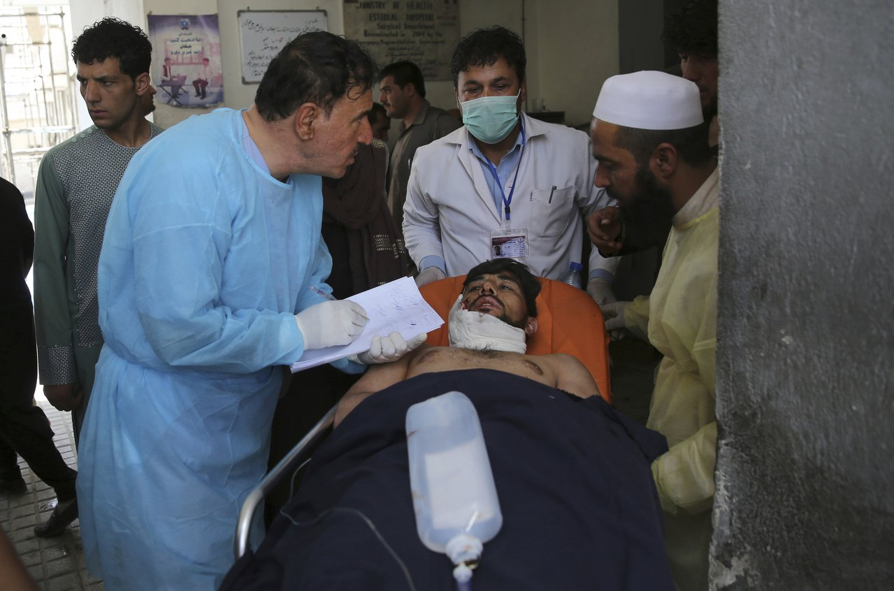 塔利班汽車炸彈攻擊,增至14死145傷。 美聯社