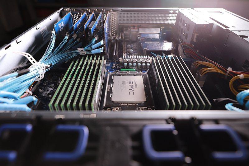 GIGABYTE server。