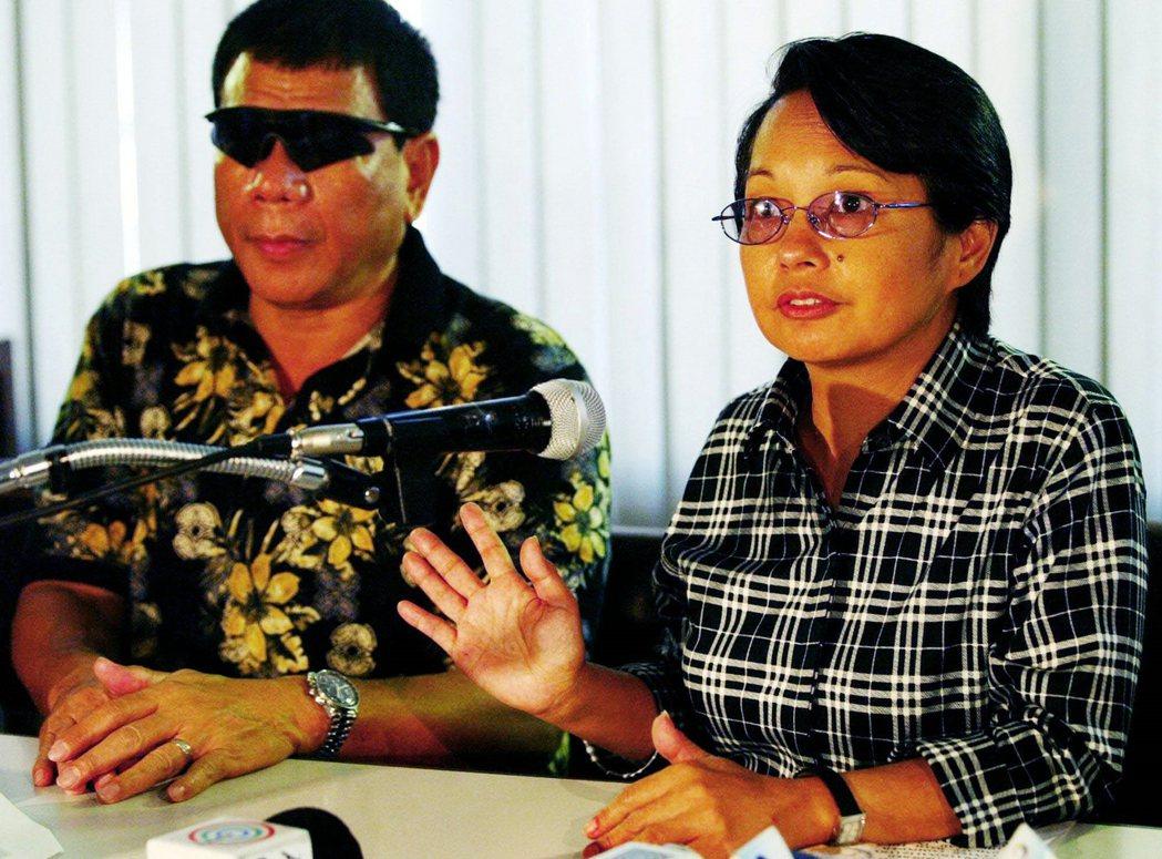 在當總統前,杜特蒂曾任達沃市市長。他任內通過的《婦女發展法》,堪稱是菲律賓地方層...