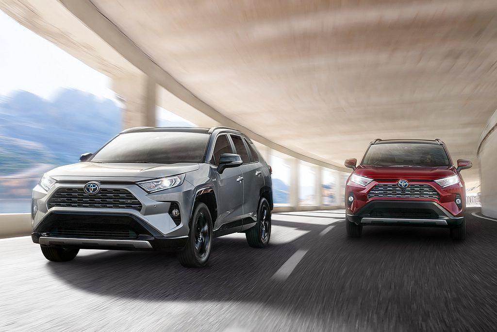 全新第五代Toyota RAV4縱使年初交付量不亮眼,但第二季之後急起直追並成為...