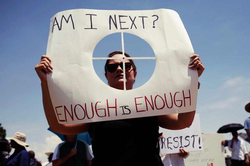 「問題不在什麼網站,問題在那些拿槍的人。」8chan掀起的爭論仍在持續,但未來未...