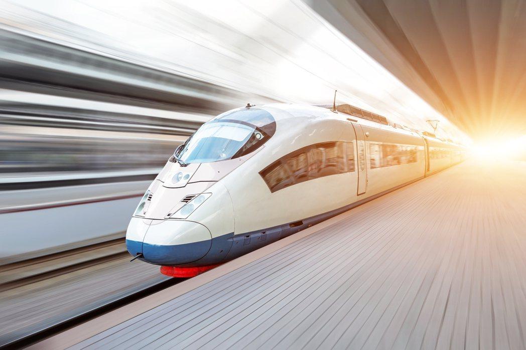 泰國積極打造高速鐵路網、海港和機場設施,強化作為東南亞交通樞紐地位。 泰國投資促...