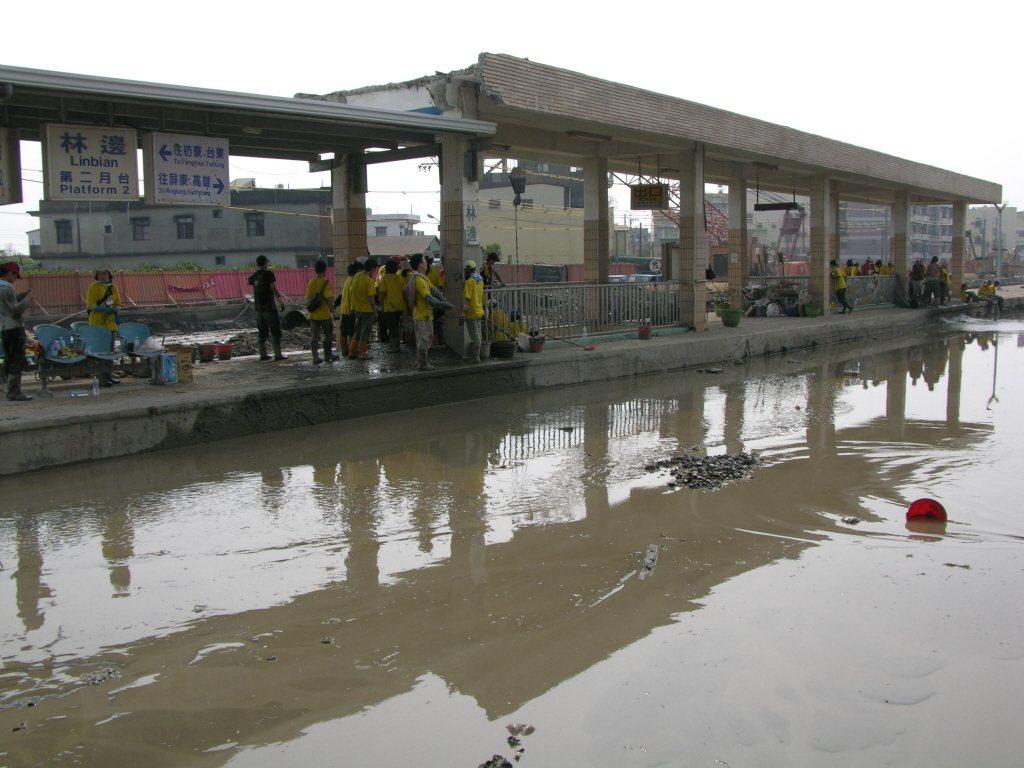 2009年《莫拉克颱風》風雨強烈、產生造成當時無數人傷亡的「八八水災」。 圖片來...