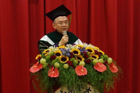 中山醫學大學校長呂克桓醫學博士。 楊連基/攝影
