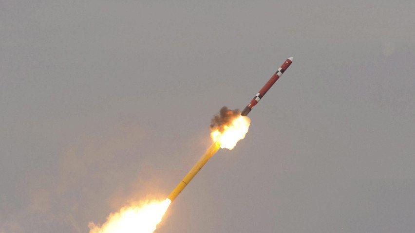 北韓透過網路駭客攻擊竊取資金發展武器計畫。(photo by Victoria_...