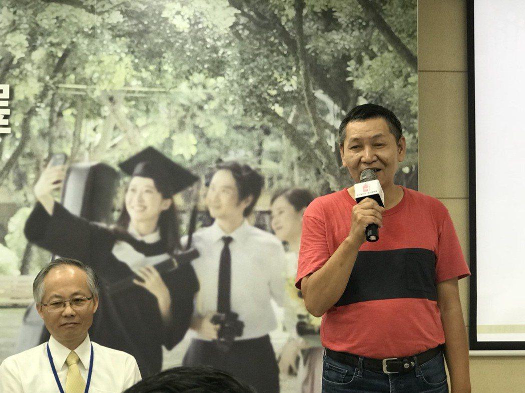 擔任公車司機的陳先生,逾40年的菸齡中雖曾想戒菸,但多次都未成,後因跟女兒的約定...