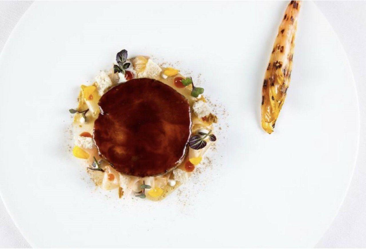 弘光科大學生創作的料理,獲選為米其林餐廳菜單。圖/弘光科大提供