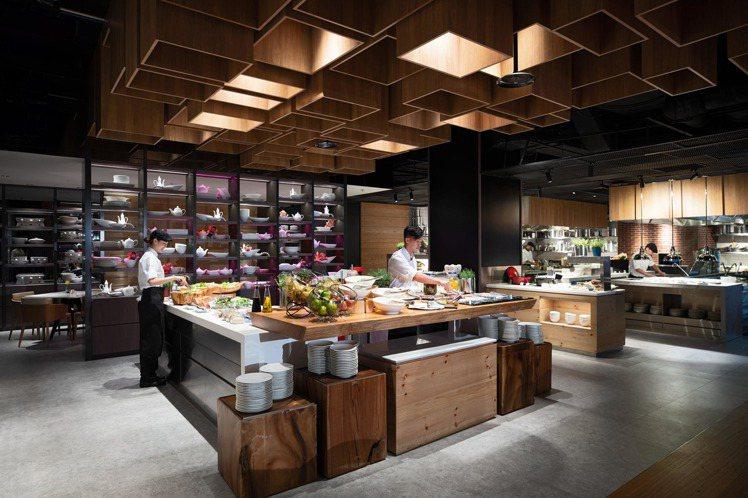 士林萬麗酒店的士林廚房,從即日起到9月15日,推出盛夏限定「萬」國燒烤「Bar」...