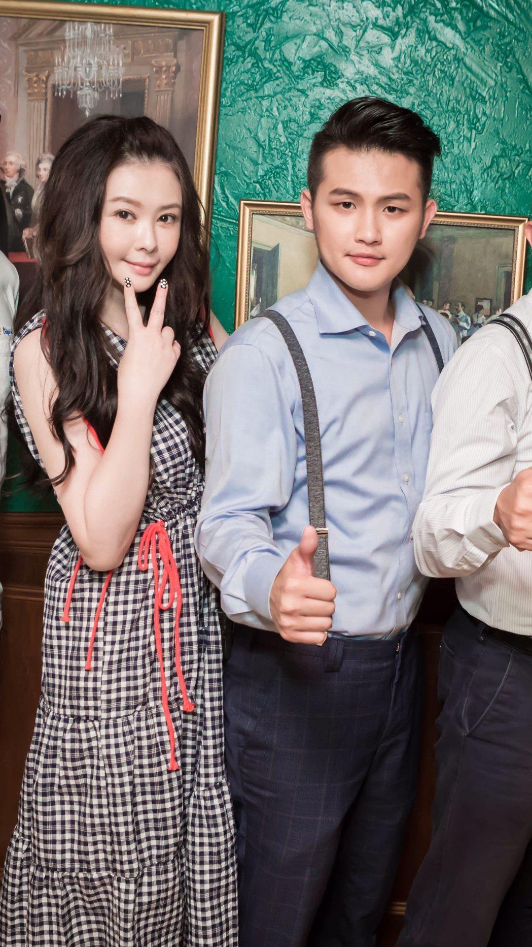 蕭淑慎復出(左)和老公一起幹大事。圖/幹大事娛樂提供