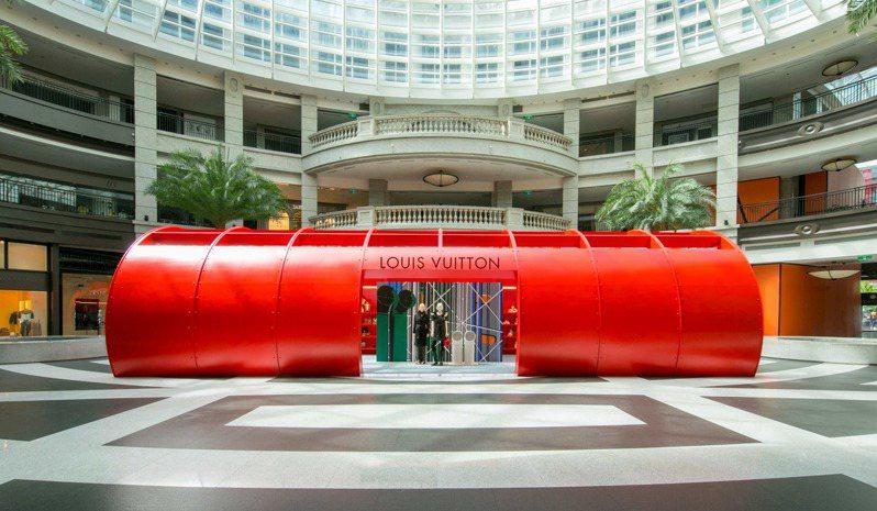 路易威登於Bellavita寶麗廣場開設2019秋冬女裝快閃店,展售至8月28日止。圖/LV提供