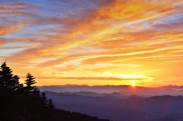 橫跨群馬縣、長野縣的「澀峠」最佳雲海觀賞期為5月至11月。圖/樂天旅遊提供