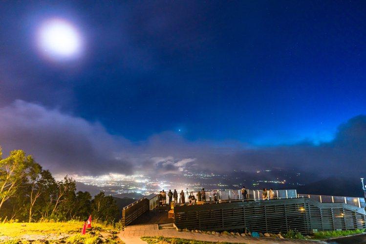 長野縣「SORA terrace」最佳雲海觀賞期為5月下旬至11月上旬。圖/樂天...
