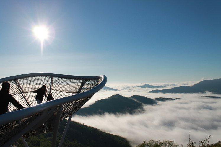 北海道「TOMAMU度假村 雲海平台」有機會看見3種不同類型的雲海。圖/樂天旅遊...