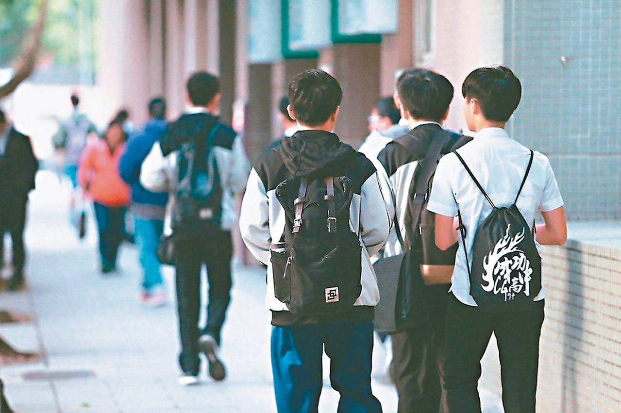 私立高中職漲學費,漲額由教育部支應,引發討論。 圖/聯合報系資料照片