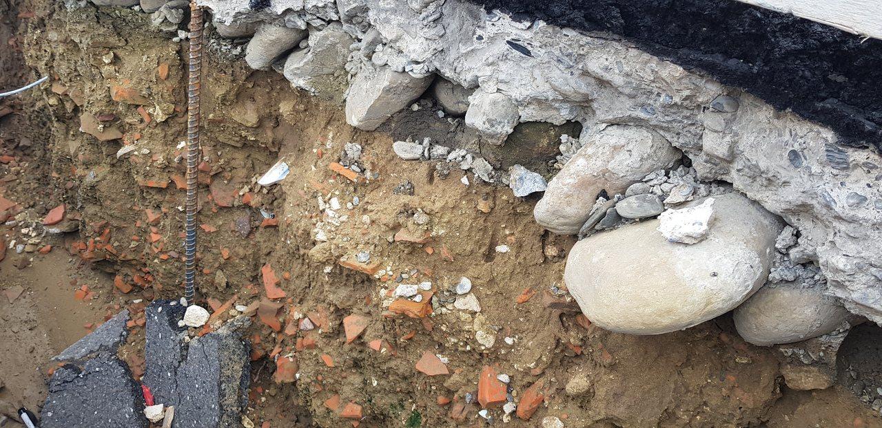 台南市鐵路地下化開挖,在新樓醫院旁發現豐富的文化層。記者修瑞瑩/攝影