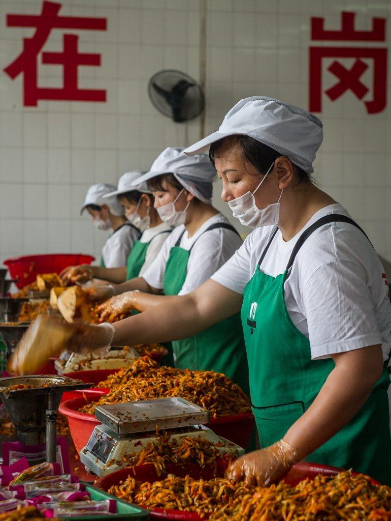 重慶涪陵榨菜號稱與歐洲酸黃瓜、德國甜酸甘藍齊名。(新華社)
