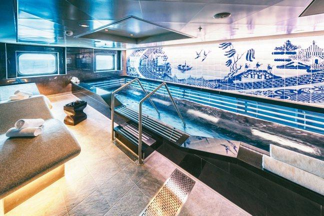 號稱最大海上美體養生中心的「水晶生活」,提供理療美容服務。 圖/陳志光、游慧君