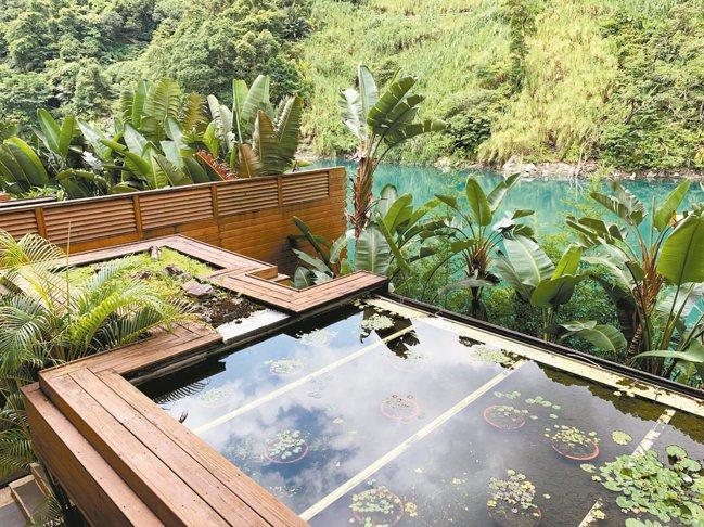 依山傍河、景致絕美的烏來馥蘭朵,是台北近郊泡湯度假、洗滌身心的好去處。 圖/陳志...