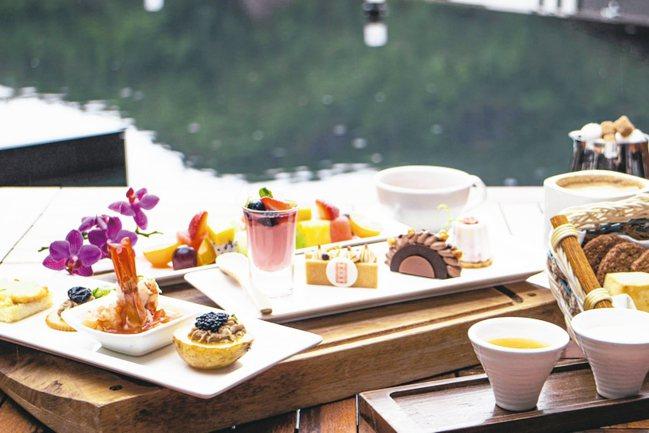 北投麗禧溫泉酒店雍翠庭推出的三層架英式下午茶。 圖/北投麗禧提供