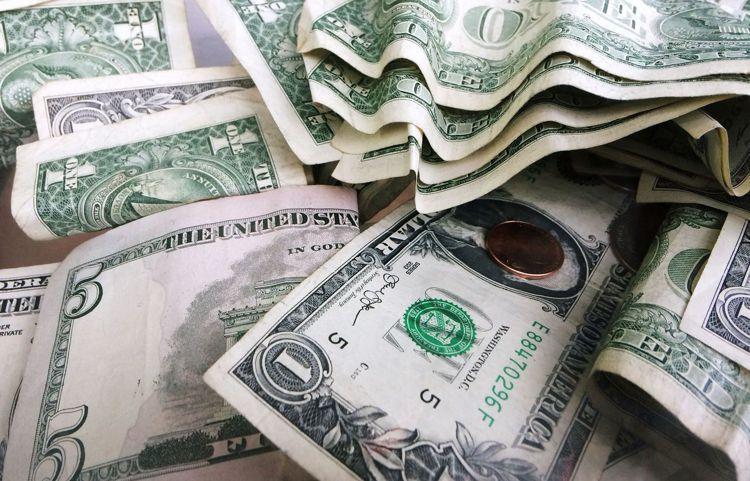 全球金融市場震盪加劇,投信法人建議穩健保守型投資人不妨適度配置債券組合基金。 (...