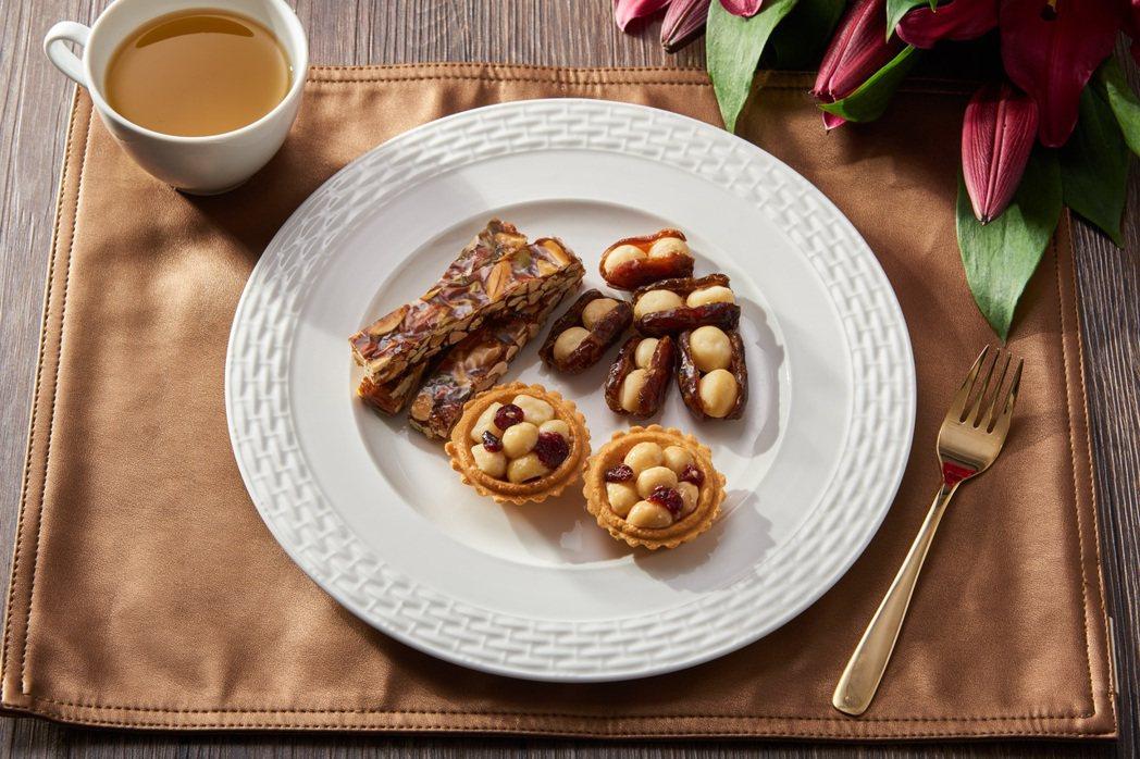 夏威夷潛艇、夏威夷豆塔以及堅果棒是上信饌玉的明星熱銷商品,「堅」顧美味又健康。上...