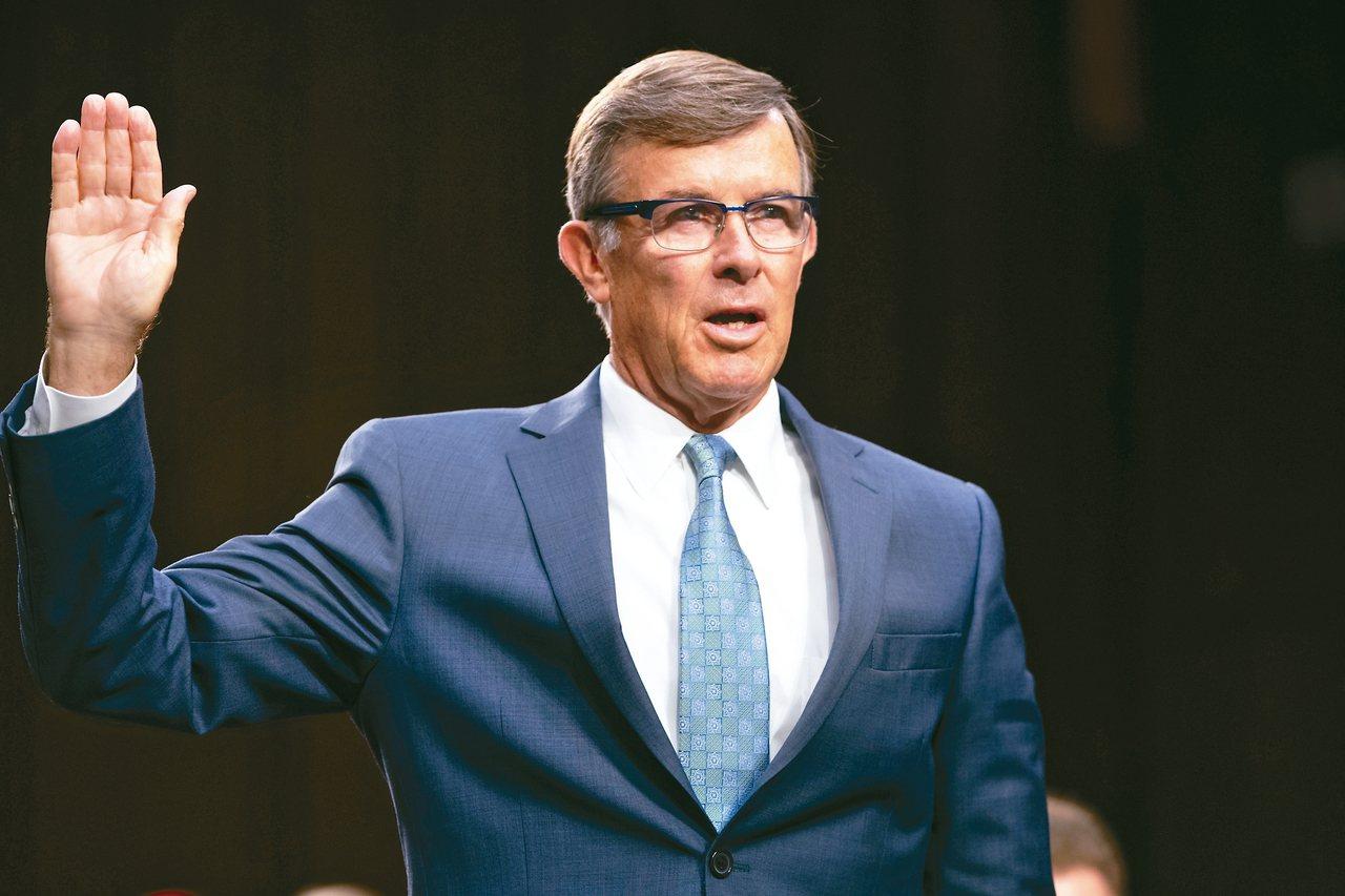 2010年退役的麥吉爾海軍中獲川普總統提名代理國家情報總監,15日就職。 美聯社