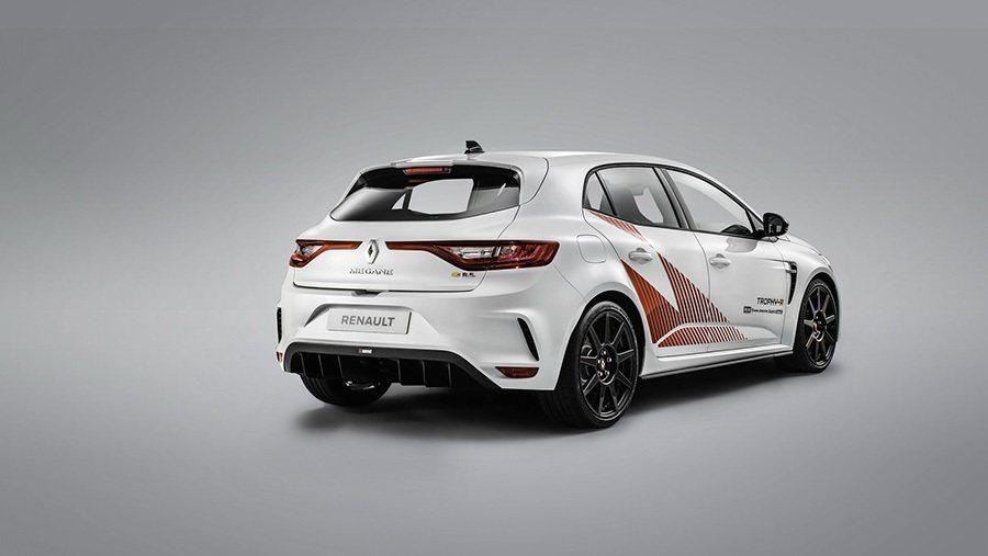 Renault提供