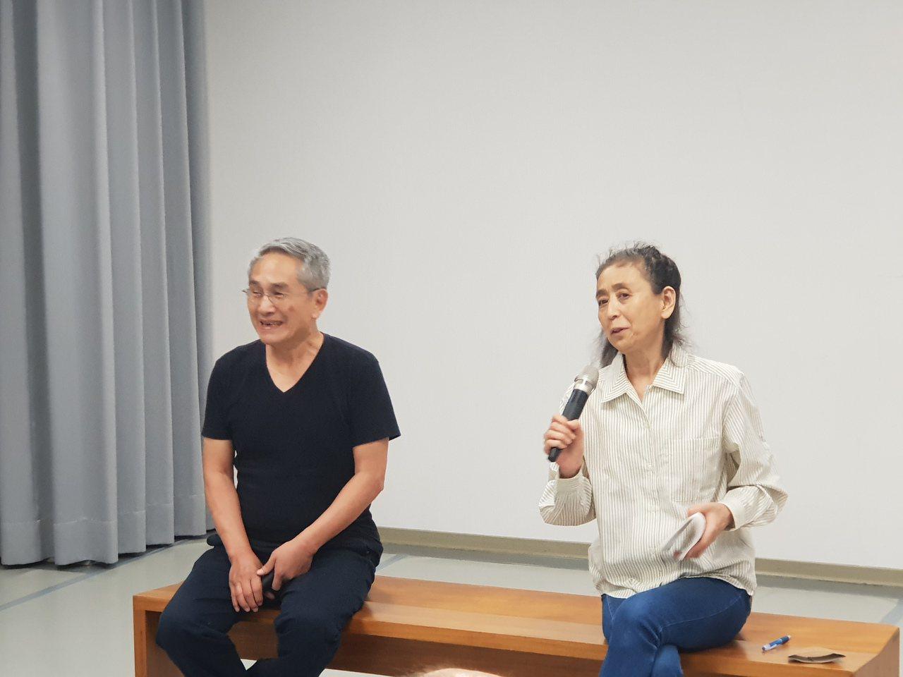 舞蹈家尾竹永子四度踏上福島,拍攝25000張照片完成核災電影「身在福島」。她受林...
