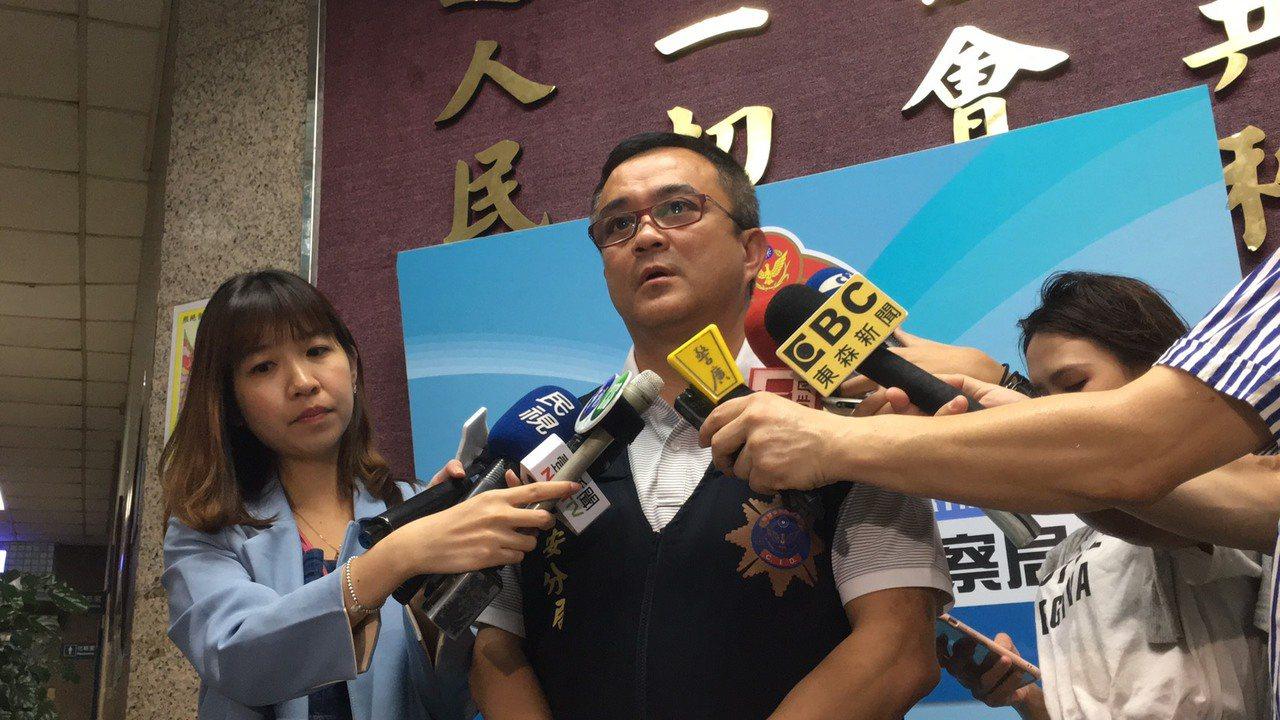 警方表示,經一夜調查,發現一名未婚中年女子將該男嬰棄置,警方隨後已將該名女子通知...
