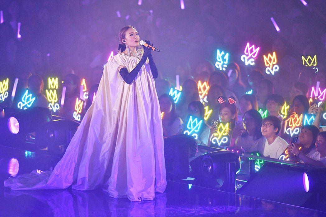容祖兒「PRETTY CRAZY」5日起在紅館舉辦出道20週年演唱會,共18場。...