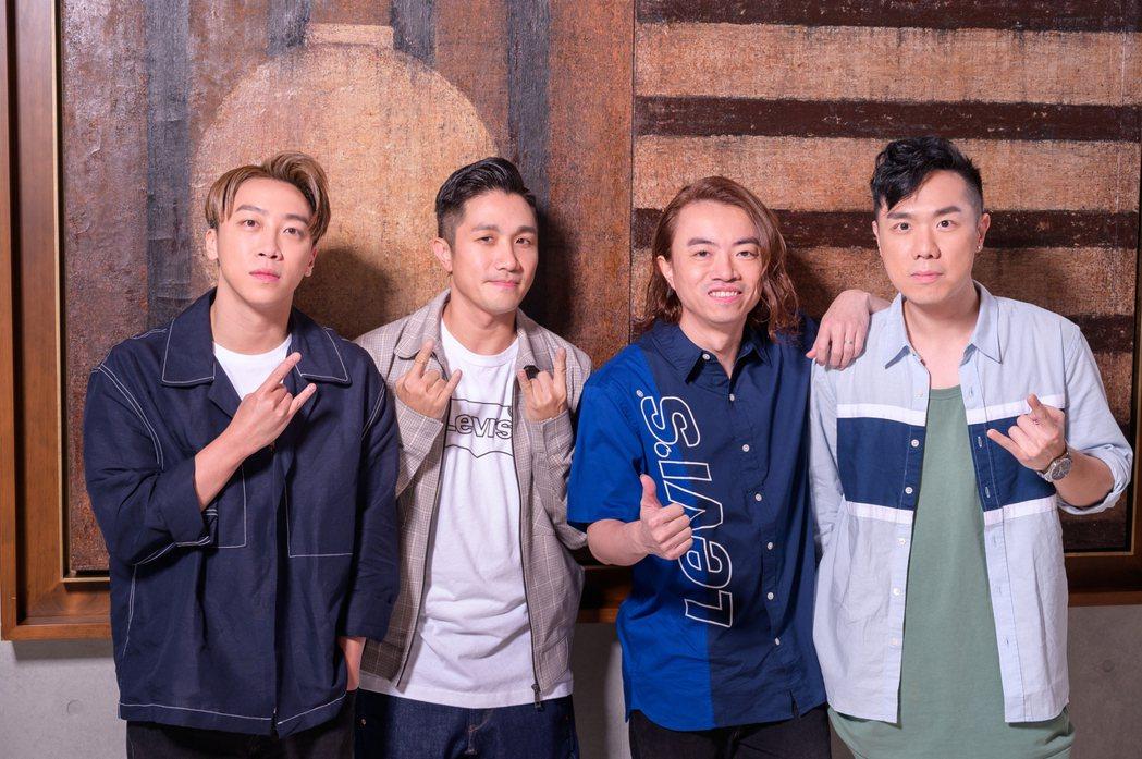 香港夯團Supper Moment來台宣傳,主唱Sunny(左起)、鼓手阿達、吉...