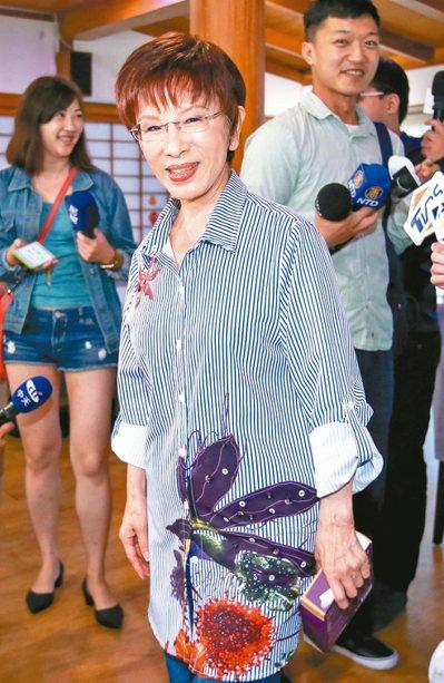 國民黨前主席洪秀柱將參選台南市立委,表示這不是一條好走的路,但國民黨不能不會打硬...