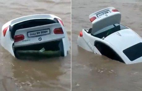 這不是我要的Jaguar!印度男子怒推BMW新車入河