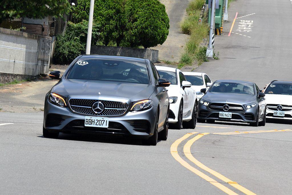賓士AMG E53 4Matic+於On Road路況的加速、操控反應以及行車感...