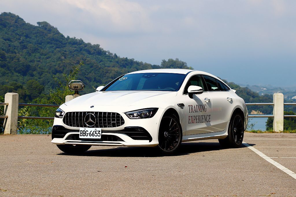AMG家族旗艦新秀Mercedes-AMG GT 4-Door Coupe,也相...