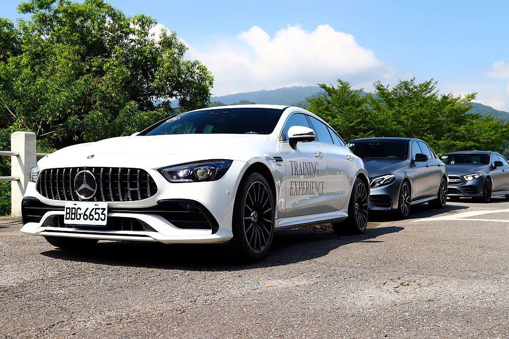 這次賓士教育訓練活動也特別帶來Mercedes-AMG E53 4Matic+、...