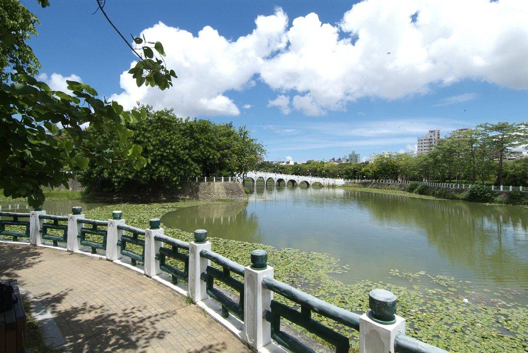 「金湖邨」座落在金獅湖湖畔。圖片提供/佐伯建設