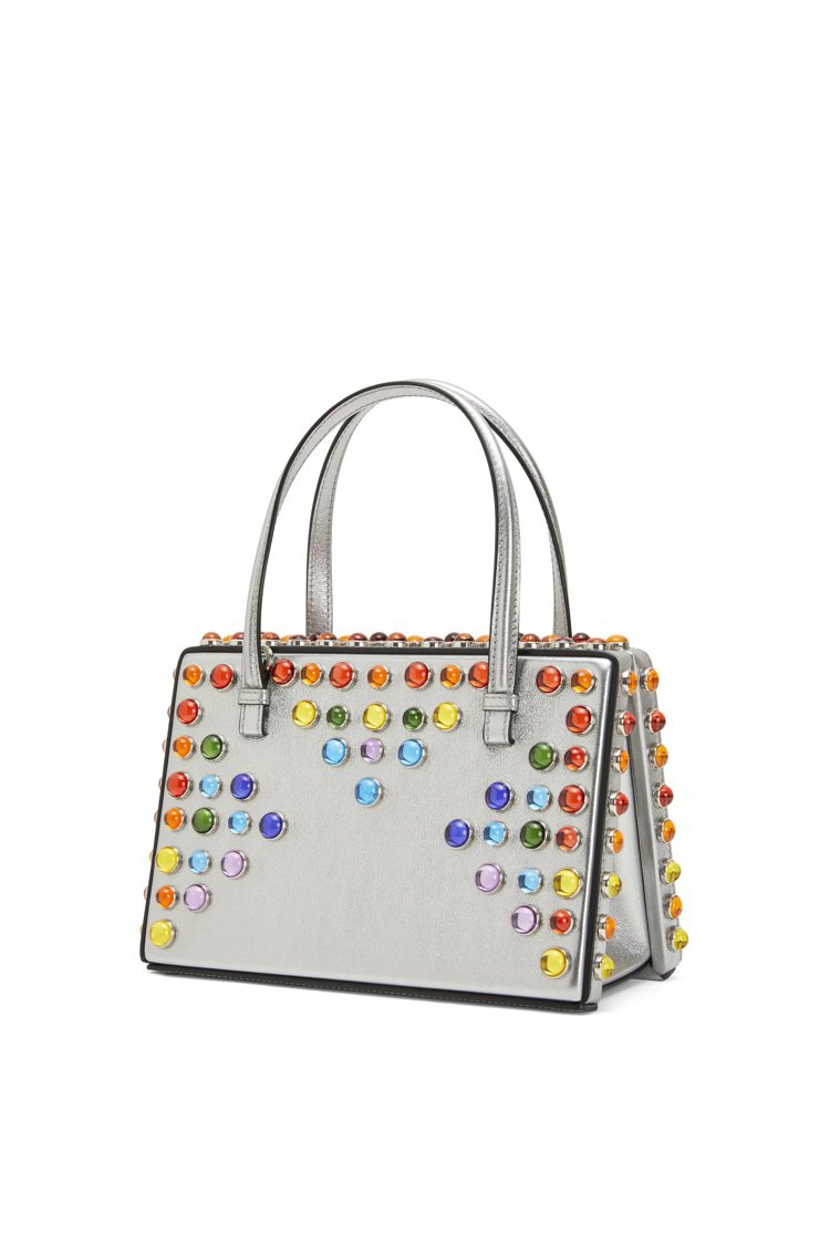 Postal銀色小牛皮飾彩石肩背提包,售價12萬元。圖/LOEWE提供