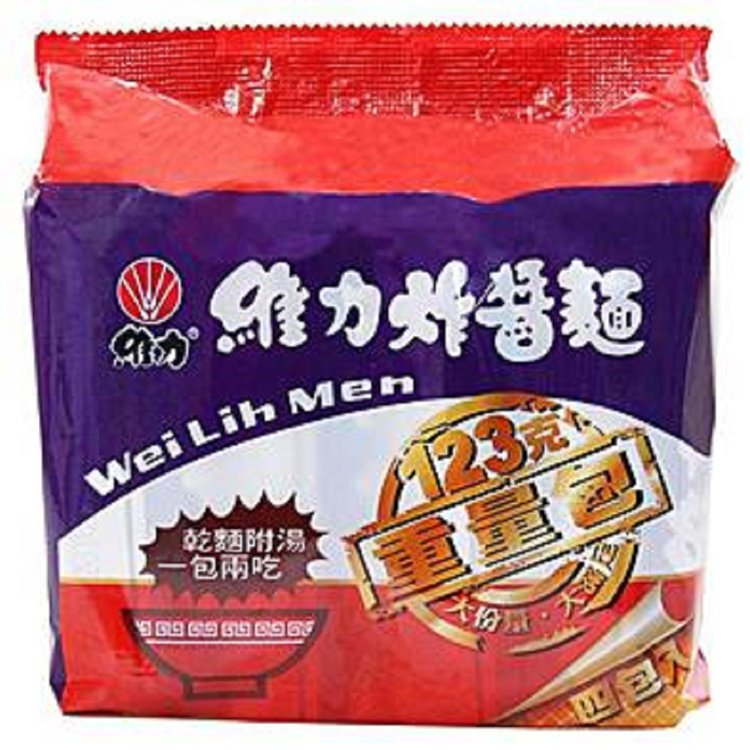 momo購物網中元泡麵人氣榜第三名:維力炸醬麵重量包,4入售價79元。圖/mom...