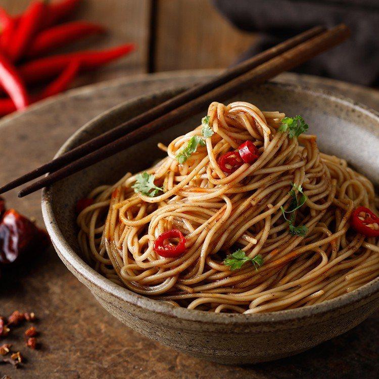 ihergo愛合購快煮麵熱銷第二名:三風製麵辣麵。圖/愛合購提供