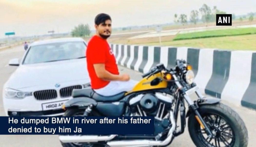 這名印度青年想要的生日禮物是積架而非BMW轎車。(取自印度時報)