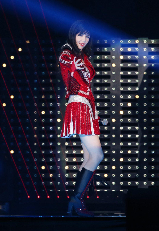 周慧敏化身美少女戰士,青春唱跳。記者許正宏/攝影