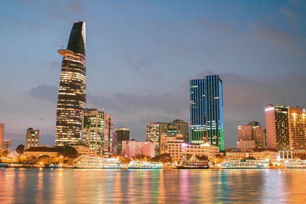 經濟發展、投資與觀光財富快速累積,帶動越南房市日趨熱絡。其中,第一大城胡志明市發...