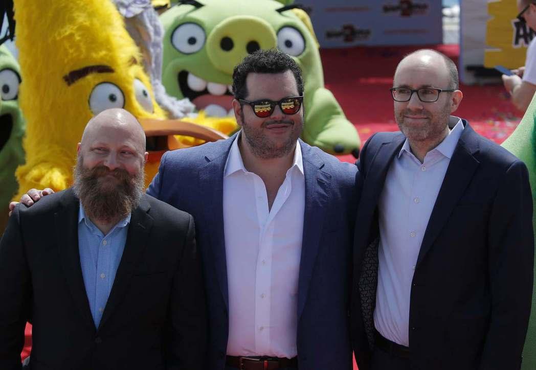 「憤怒鳥玩電影2:冰的啦!」導演索洛普凡奧曼(左起)、配音主角喬許蓋德、監製約翰...