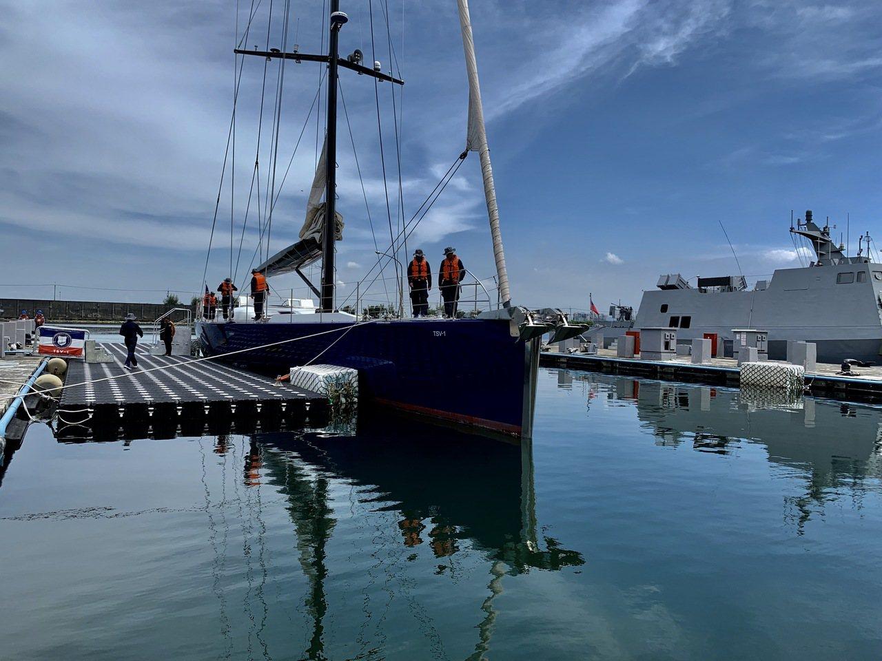 潤泰集團總裁尹衍樑名下原有一艘長達34公尺、價值數億元的遊憩用雙帆帆船,他去年慨...