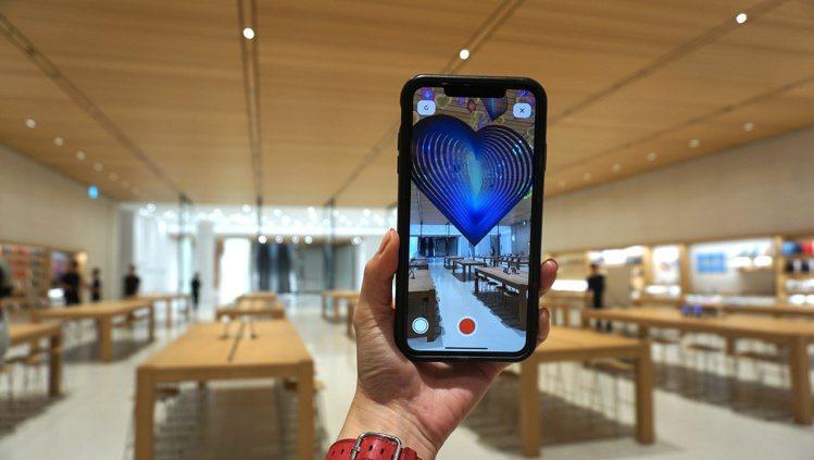 現在只要走進Apple直營店,使用Apple Store App中的[AR]T檢...