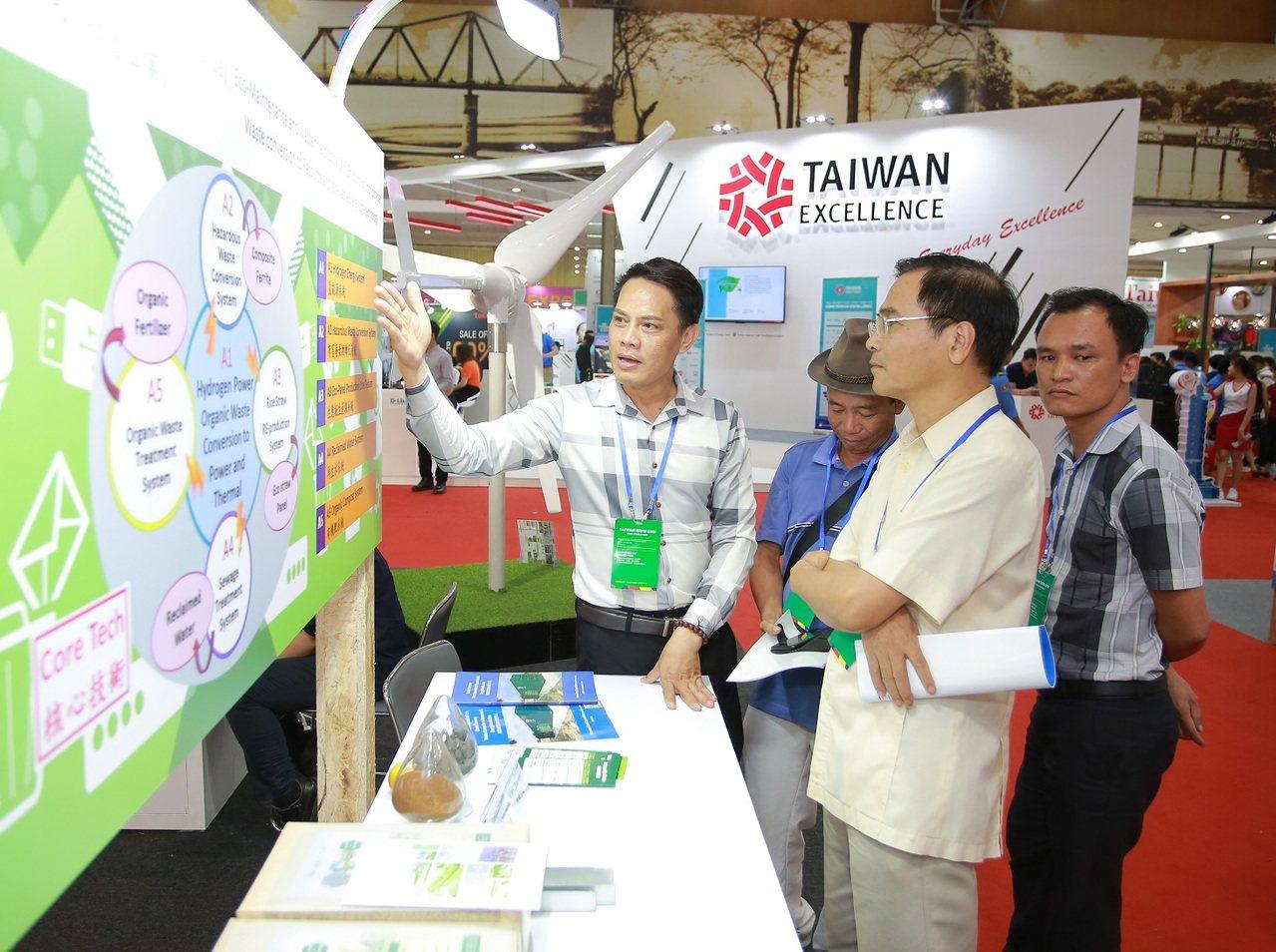 參展商與越南買主洽談。圖/貿協提供